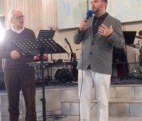 EWST_Clay preaching at Antioch Pentecostal Church